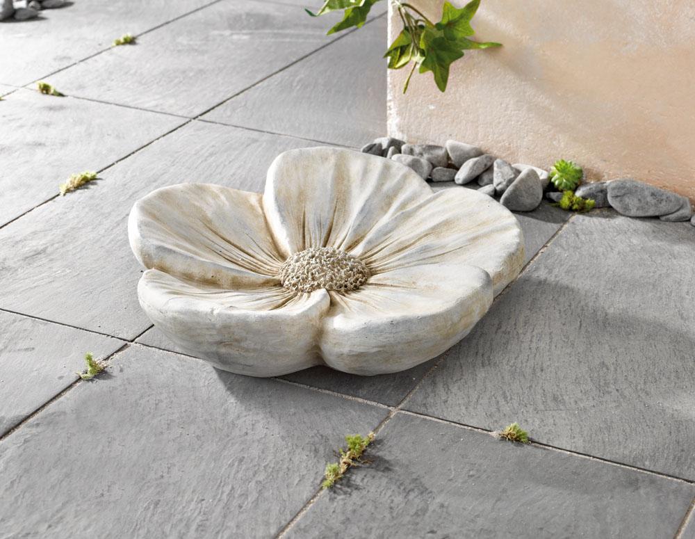 "Декоративная фигура ""Цветок - Флорис"", диаметр 41 см [03262] Декоративный цветок ""Флорис"", камень, диаметр 41 см"