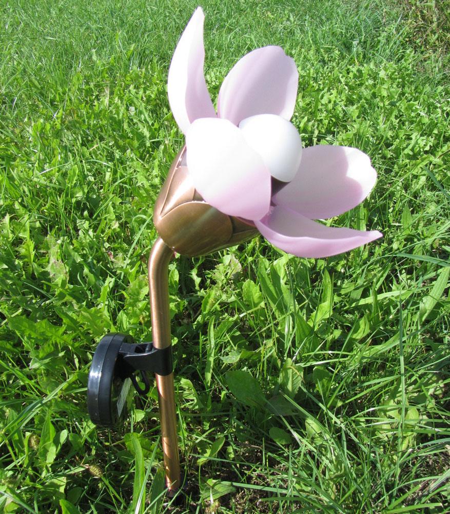 """Штекер садовый с солнечным светильником """"Распускающийся цветок"""""""